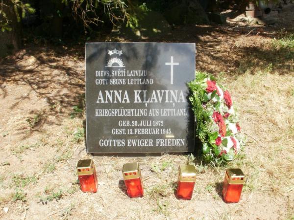 Induļa Ķēniņa mātes mātes Annas Kļaviņas kaps Vāczemē, Meklenburgā, Dālendorfas ciemata kapsētā.
